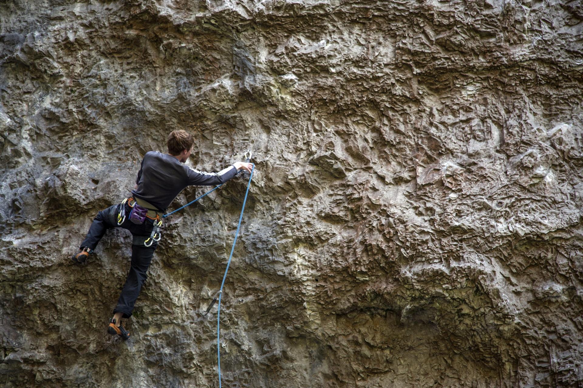 climber-on-the-rock-1499677635O6C.jpg